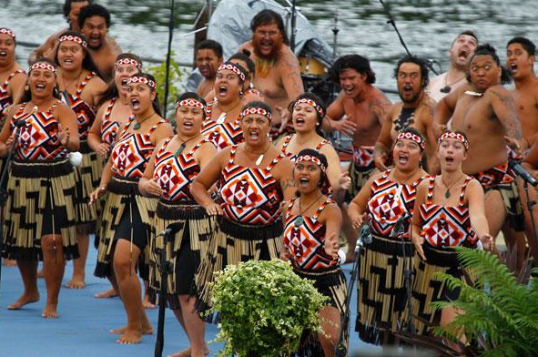 Kapa-Haka-Indegenous-Maori-Culture-Performance-Art-New-Zealand